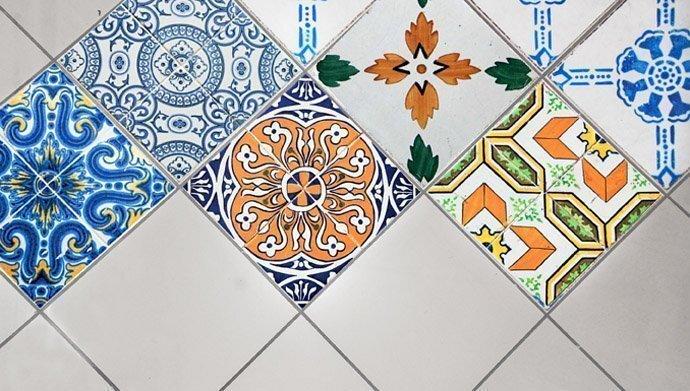 Mattonelle e piastrelle adesive personalizzabili meprint for Mattonelle adesive